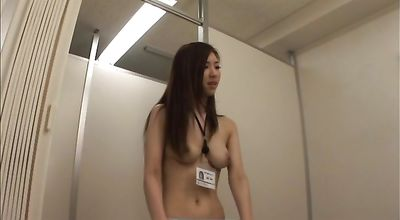 Delightful eastern Arisa Aizawa has her trimmed lovebox plowed with vigor