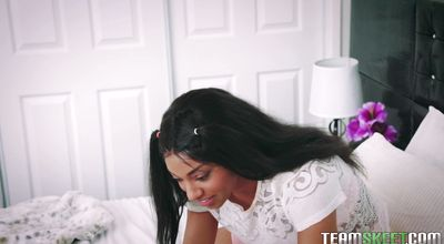 Sassy Sizi Sev loves to bounce up and down on hard prick